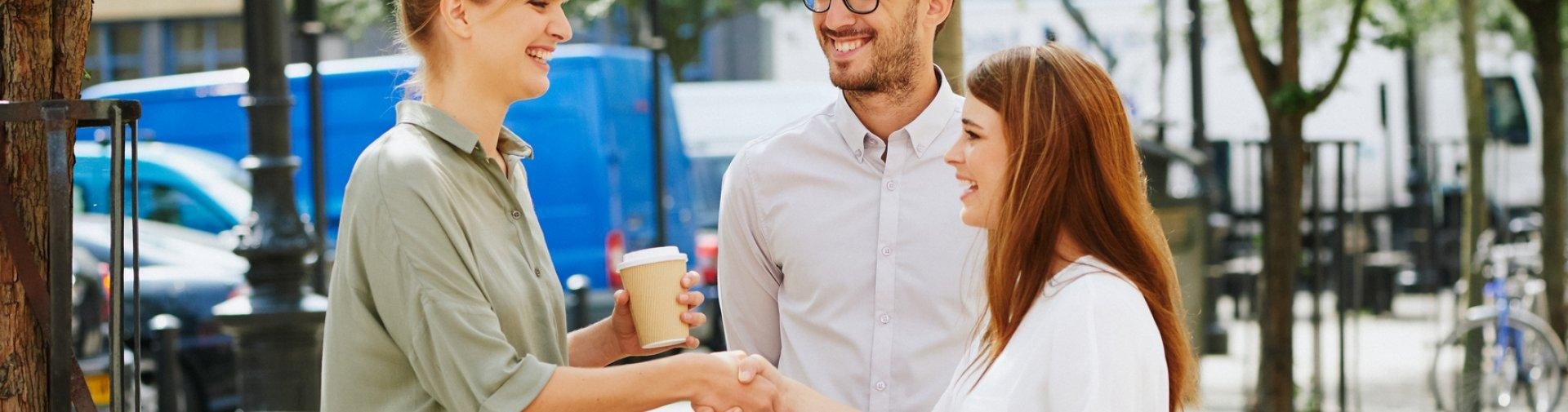 Couple meeting relocation expert